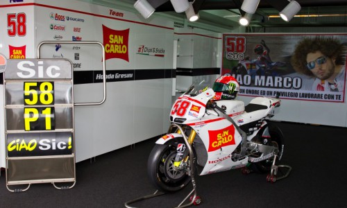 Simoncelli died after an accident during the 2011 Malaysian Grand Prix at Sepang on 23 October 2011.