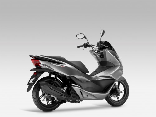 Quick and efficient – 2015 Honda PCX 150 review - Motorcycle News