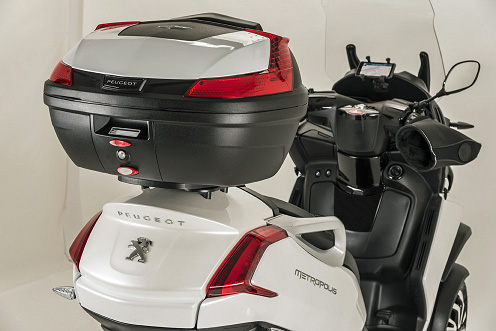 Peugeot Offers New Accessories For Its Metropolis Scooter