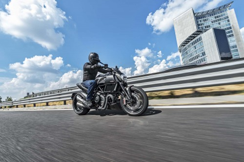 2016 Ducati Diavel Carbon