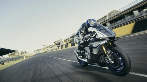 Yamaha announce new run of the YZF-R1M for 2016